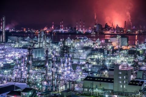 工業地帯が見下ろせる夜景