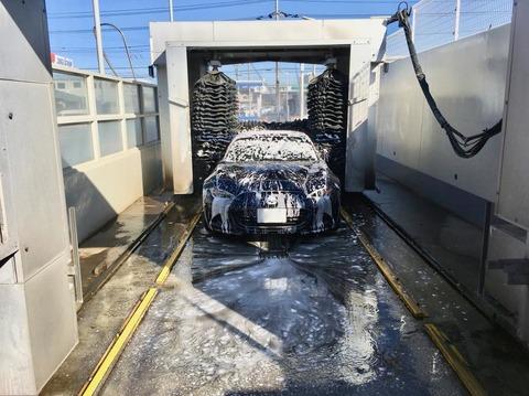 アパートのやつ洗車