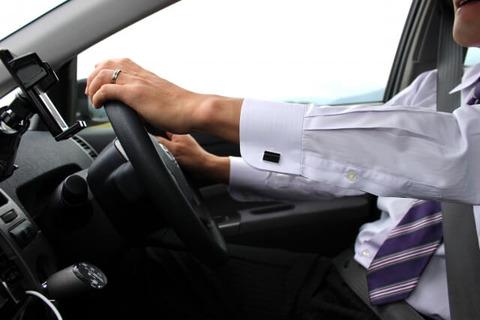 【悲報】弊社の新入り、車の運転態度が悪過ぎるwwwwwww