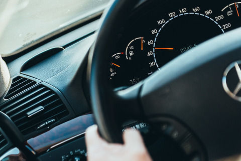 普通車はエアコン利かすとパワーダウン