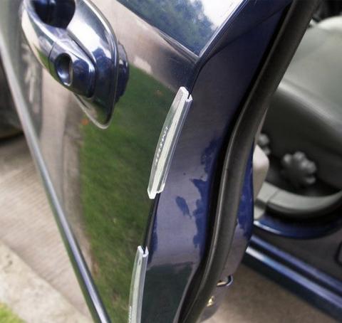 ちょっと!車に戻ったらドアに傷がついてたんだけど!!