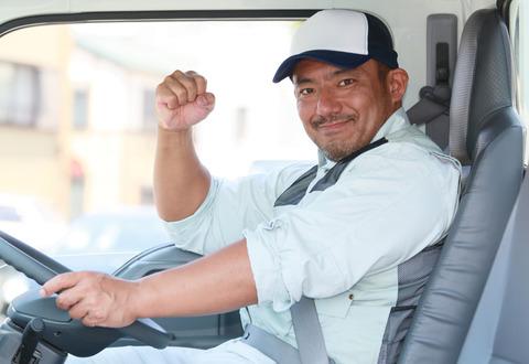 トラックの仕事したいんだけど楽してお金儲けれる??