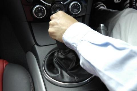 マニュアル車って普段使い
