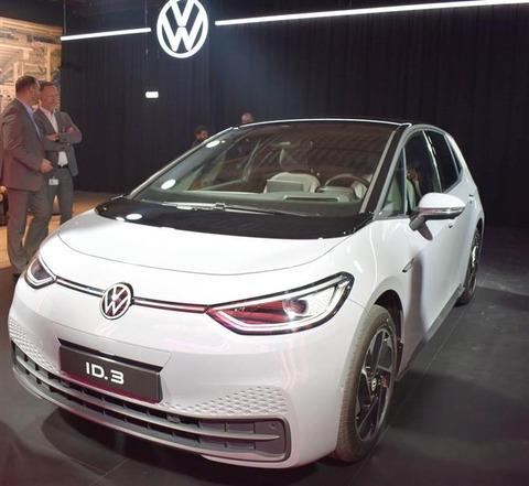 VW、主力EVの量産開始