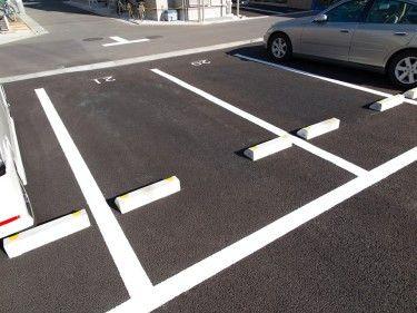 バック駐車一発で入れられない