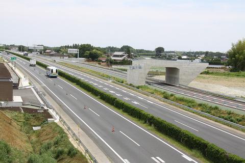 高速道路を90㌔で走ってたワイ、その結果wwwwww