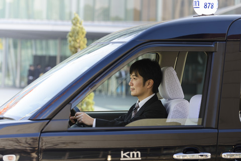 新卒タクシー運転手