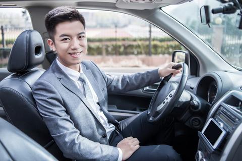タクシードライバーに転職