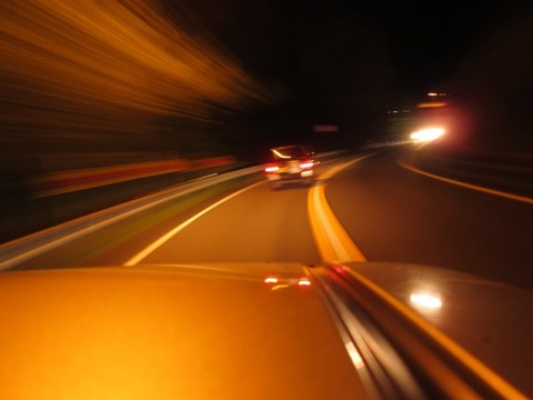 1人で深夜ドライブ