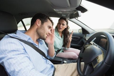 車運転してるおっさんっていつもイライラ