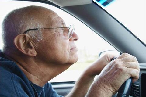 年寄りの運転が許せないwwwww