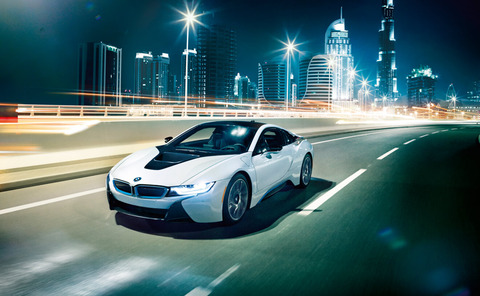 BMWi_i8_lightbox_01