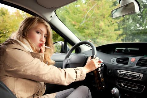 自分の車に喫煙者を乗せたくないんだがwwwwww