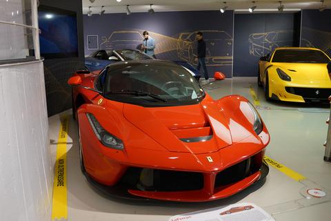 フェラーリやポルシェ2