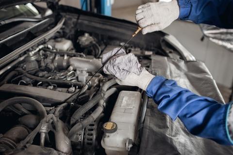 車のエンジンオイル交換