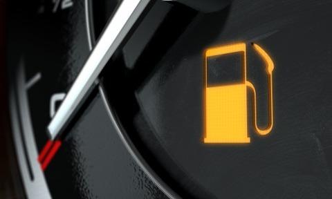 車のガソリン入れる時って残量が幾つくらい