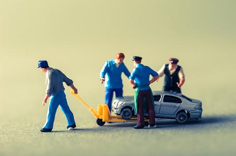 故障する自動車