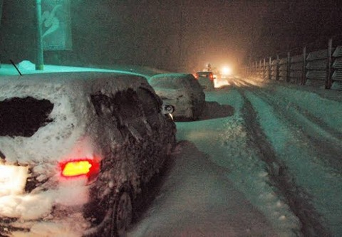 豪雪立ち往生にEV車