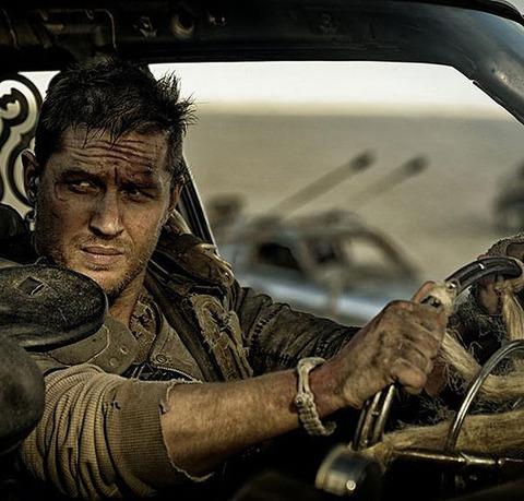 マッドマックスの主人公の愛車が軽自動車だったらどうなるの?