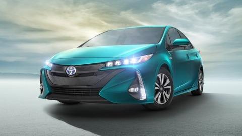 2017-Toyota-Prius-PHEV-12
