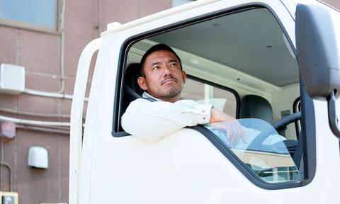 トラックの運転