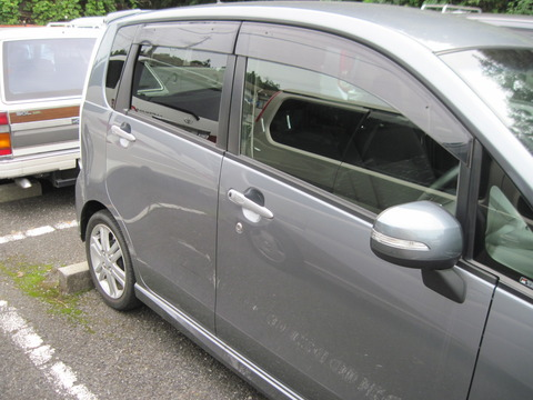 13万キロ走った俺のボロ軽自動車の運転席側のドアが開かなくなったwwwwww
