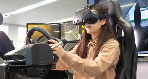 VRで運転