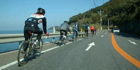 自転車は車道走れって言うけどさwwwww