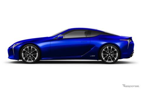 【車のカラー】モルフォ蝶から着想した「構造発色」、青の原料を使わず無色の素材だけで青く見せるレクサスLCの限定色(動画あり)