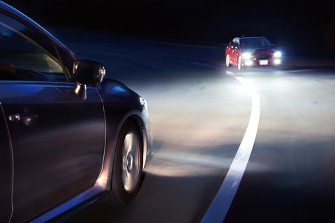車のオートライト義務化