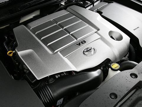 V8エンジンのマジェスタ