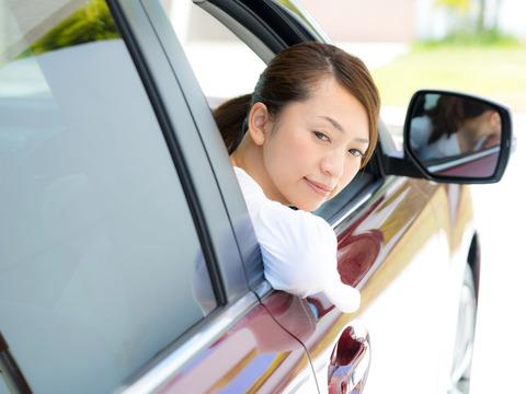 お前ら「女はバック駐車へたくそ」ワイ「ほーん、スーパーの駐車場で見てみよ」