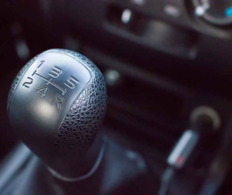 マニュアル車の運転