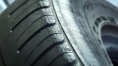 車のタイヤの空気が・・・・