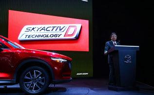 マツダ、初のディーゼルHVを投入 電動化で燃費2割向上  主力SUV「CX-5」で