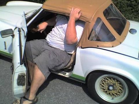 130kgデブワイが乗ってもスイスイ走る日本車、なし!www