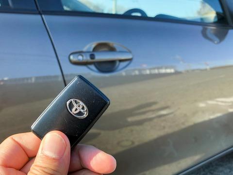 車の鍵のバッテリー