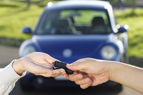 俺「車売ります!ガソリン満タンタイヤ新品交換済み!」中古車店「長く乗られてますね3万です!」←wwwwwww