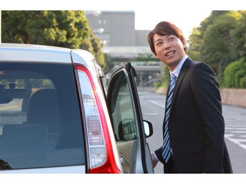 車が大好きなのに経済的理由でいい年して軽自動車に乗ってる俺より底辺で情けない奴って存在するの??
