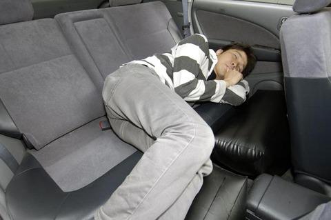 車の中で休憩
