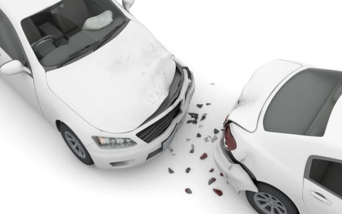 運転して事故違反