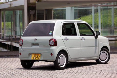 三大女性ウケ最悪な車「流れるウィンカー」「200万円未満の車」