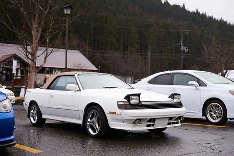 昔のセリカみたいな見た目スポーツカーで中身はFFの普通の車ってもうないよな??