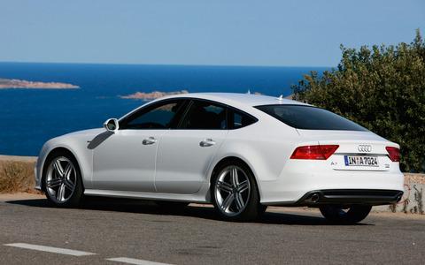2012-Audi-A7-rear-view