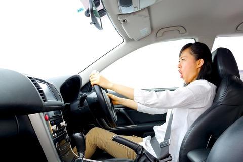 マニュアル車って急停止したらエンストするの??