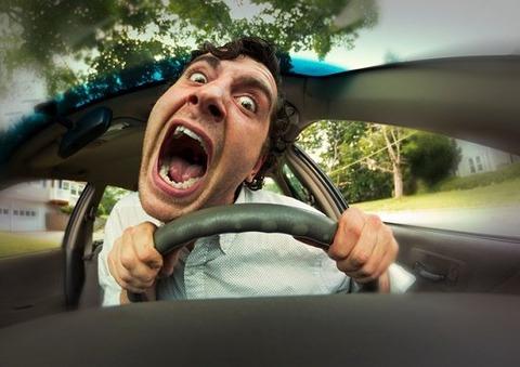 【悲報】ワイ、車校で教官から「君運転遅いねぇ」と煽られるwwwww