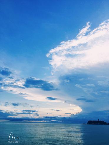 七里ガ浜から見た空と海