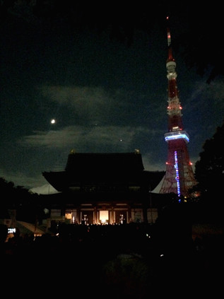 増上寺とお月さまと東京タワー
