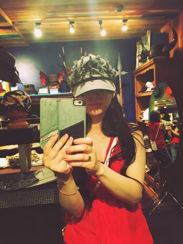 帽子かぶるmaki