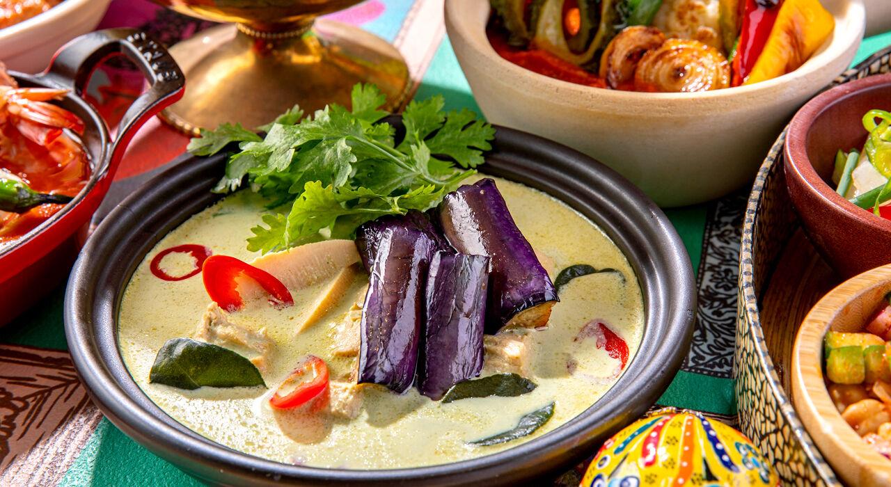 curry_hilton2